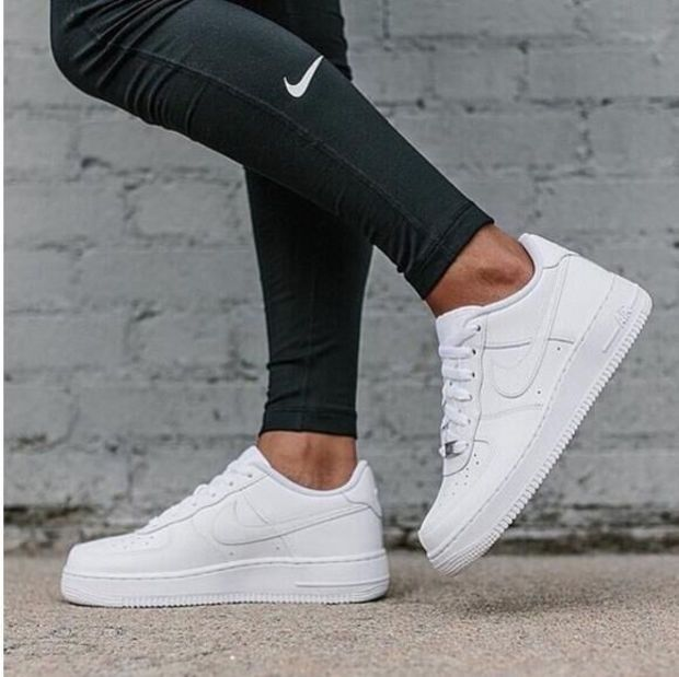 NIKE Femmes Hommes Running Sport Casual Chaussures Baskets Air force Blanc.