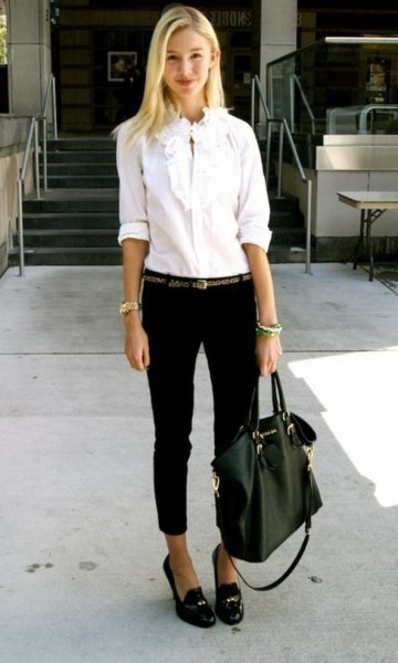 chemise blanche mocassins jeans skinny noirs