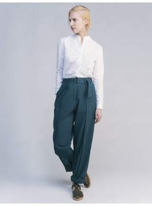 chemise blanche chino gris à jambes larges