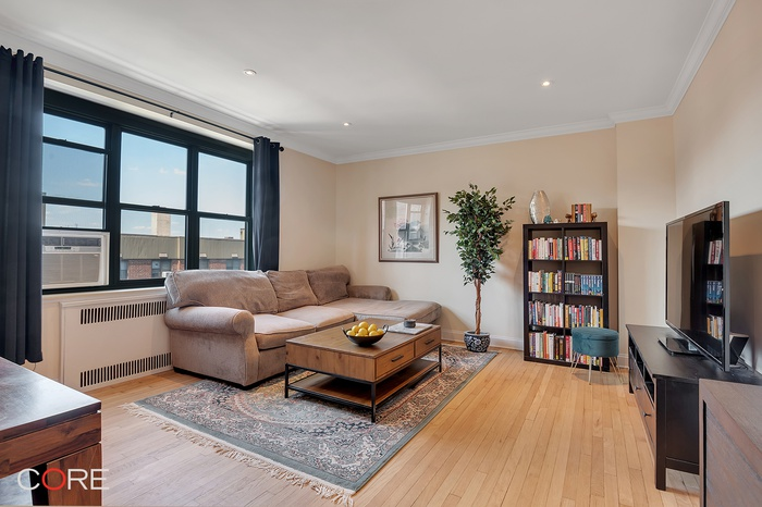 34-41 78th Street, Queens, New York, 11372 |  2 BR à vendre.