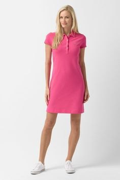 robe polo rose avec baskets basses blanches