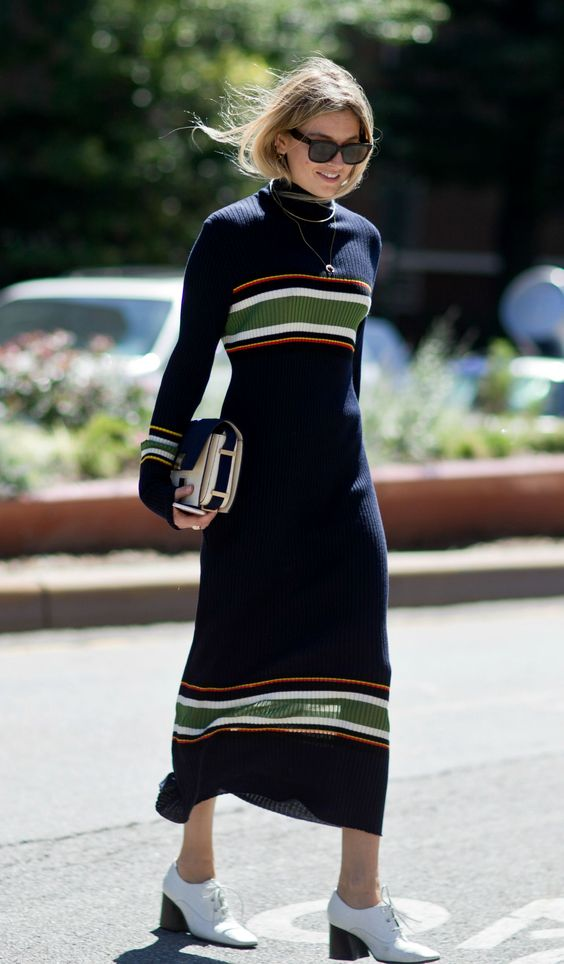 Robe pull en maille rayures longues