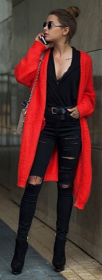 Comment porter un long cardigan rouge